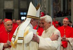 Benedetto XVI tra Woityla il Santo e Francesco il rivoluzionario