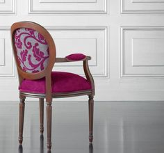 Fuschia accent chair is totally great to complete your chartreuse or even the earthy green living room. See our gallery! Funky Chairs, Cool Chairs, Banquettes, Outdoor Chairs, Dining Chairs, Patterned Chair, Living Room Green, Chair Design, Home Furniture