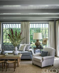 Find your favorite Minimalist living room photos here. Browse through images of inspiring Minimalist living room ideas to create your perfect home. Window Treatments Living Room, Living Room Windows, Diy Marble, Living Room Furniture, Living Room Decor, Dining Room, Dining Chairs, Dining Table, Design Salon