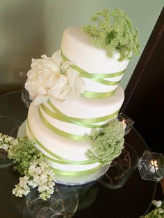 Country singer Jake Owen had a three-tiered wedding cake by Anna Cakes at his wedding day brunch at the Vero Beach Hotel. Owen married Lacey Buchanan on May 7, 2012.  Photo: Brian Pepper