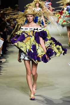 Viktor & Rolf Spring 2015 Couture - with Alicja Tubilewicz model (IMG) - Collection - Gallery - Style.com