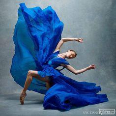 NYC Dance Project, Brooklyn'de yaşayan Ken Browar ve Deborah Ory'nin eseri. Ken bir ünlü moda fotoğrafçısı ve Deborah da eski bir dansçıfoto muhabiri. İkisi birlikte www.nycdanceproject.com sitesini kurarak, New York'ta yaşayan dansçıların görülmeye değer dünyalarını gözler önüne seriyor. Ken Browa