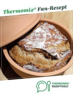 Wholemeal bread in the Roman pot from MiriSmyk. A Thermomix ® recipe from the Bread & Buns category at www.de, the Thermomix ® Community. Bread Bun, Mediterranean Dishes, Whole Grain Bread, Roasted Sweet Potatoes, French Food, Pampered Chef, French Toast, Food And Drink, Cooking