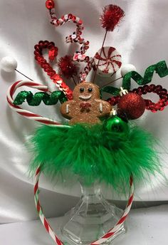 Diy Christmas Hats, Grinch Christmas Party, Ugly Christmas Sweater Women, Christmas Costumes, Outdoor Christmas Decorations, Christmas Sweaters, Christmas Wreaths, Christmas Headbands, Christmas Headdress