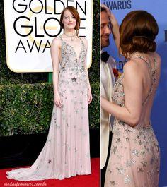 Look brack dress Valentino Emma Stone Golden Globes - Globo de Ouro 2017 | http://modaefeminices.com.br/2017/01/09/look-de-emma-stone-e-um-dos-mais-elogiados-do-golden-globes-globo-de-ouro-2017/