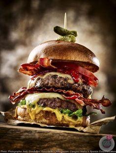 Лучшие фотографии еды-2018 Breakfast Photography, Food Photography, Food Porn, Crazy Burger, Good Food, Yummy Food, Healthy Food, Food Staples, Burger Recipes