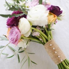 Love the style of this bouquet with burlap-different color instead of purple. (Mint/torque isle or coral hues)