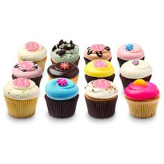 Georgetown Cupcakes The Best Cupcake Supplies and Treats yummm food-that-means-something Georgetown Cupcakes, Fun Cupcakes, Cupcake Cakes, Cupcakes Boston, Amazing Cupcakes, Cupcake Party, Candy Recipes, Gourmet Recipes, Gourmet Foods