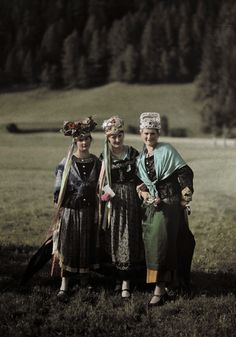 Murau girls wear mix of traditional rural dress and wedding attire.