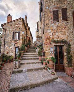 Pienza, Tuscany, Italy.