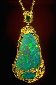 Art Nouveau pendant by Tiffany & Co ca.1910