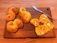 Lussekattar eller svensk Luciabrød med safran