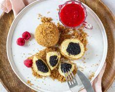 Topfen Mohnknödel mit Himbeersauce Pancakes, Breakfast, Food, Raspberries, Morning Coffee, Essen, Pancake, Meals, Yemek