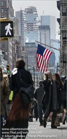 American flag in the Fifth Avenue, Manhattan, New York, Manhattan, New York. | By Alberto Mateo, Travel Photographer.