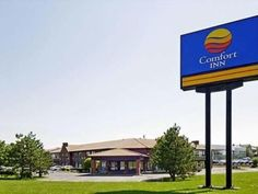 Boucherville (QC) Comfort Inn South Shore Canada, North America Ideally located in the prime touristic area of Boucherville, Comfort Inn South Shore promises a relaxing and wonderful visit. Offering a variety of facilities and services, the hotel provides all you need for a good night's sleep. Take advantage of the hotel's Wi-Fi in public areas. Each guestroom is elegantly furnished and equipped with handy amenities. The hotel offers various recreational opportunities. Conveni...