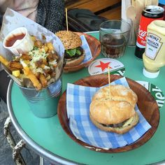 Makamaka Beach Burger Cafe. BEST garlic parmesan fries with wasabi mayo. Barcelona, Spain. Photo by Helena Carreras