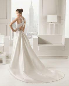 Sara Avalible at Knutsford Wedding Gallery Call 01565 633333