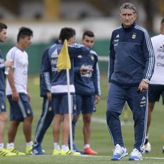 Edgardo Bauza era with Argentina will be aided by Lionel Messi's return