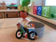 Afbeeldingsresultaat voor fiets knutselen met zwarte piet Minions, Crafts For Kids, Preschool, December, Fictional Characters, Om, Crafts For Children, The Minions, Kids Arts And Crafts