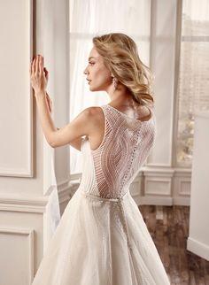 983ead4ddd60  wedding  weddingdress  2016  collection  bride  bridal  brides  fashion   love  white  sposa  abitodasposa  bianco  marriage  pink