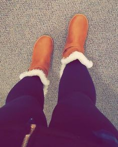 Shoe Collection, Ugg Boots, Uggs, Shoes, Fashion, Moda, Shoes Outlet, Fashion Styles, Shoe
