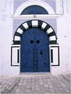 Blue Door, Sidi Bou Said, Tunisia Stone & Living - Immobilier de prestige - Résidentiel & Investissement // Stone & Living - Prestige estate agency - Residential & Investment www.stoneandliving.com