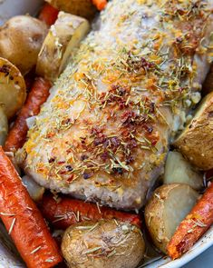How to Cook a Boneless Pork Loin Roast! This Rosemary Garlic pork loin roast is easy, foolproof and seriously delicious! Best Pork Loin Recipe, Pork Roast Recipes, Boneless Pork Loin Recipes, Boneless Pork Sirloin Roast, Entree Dishes, Good Roasts, How To Cook Pork, Magpie, Kitchen