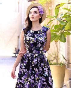 This limited edition @daisydapper dress is just everything - a must have for lilac lovers  Hairflowers @sophisticatedladyhairflowers  #daisydapper #daisydappercollection #sophisticatedladyhairflowers