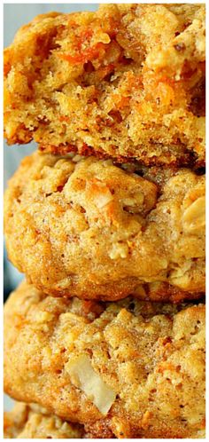 Oatmeal Carrot Cookies Soft delicious and taste like carrot cake! The post Oatmeal Carrot Cookies appeared first on Orchid Dessert. Carrot Cake Cookies, Cookies Soft, Cakes Originales, Snacks Sains, Carrot Recipes, Salty Cake, Savoury Cake, Clean Eating Snacks, Healthy Eating