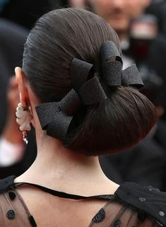 50 Stunning Bun Hairstyles You Need To Check Out Now! : Bun Hairstyles For Long Hair - Low Side Angular Loop Bun 50 Stunning Bun Hairstyles You Need To Check Out Now! : Bun Hairstyles For Long Hair - Low Side Angula Easy Casual Hairstyles, Bun Hairstyles For Long Hair, Chic Hairstyles, Short Hair Updo, Elegant Hairstyles, Weave Hairstyles, Popular Hairstyles, Hairstyles 2018, Hairstyle Ideas