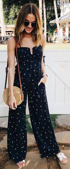 Trendy Outfit Idea Black Jumpsuit Plus Bag Cool Summer Outfits, Spring Outfits, Trendy Outfits, Cute Outfits, Summer Fashion Trends, Spring Summer Fashion, Boho Fashion, Fashion Outfits, Fashion Design