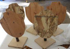 http://www.terrarusticadesign.com/2011/09/unique-craft-fair-jewelry-stands.html#