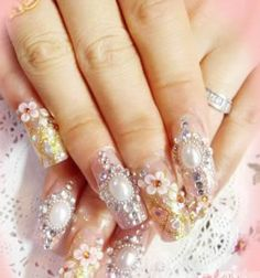 <3 Bling on nails!