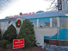The Deluxe Town Diner - Watertown MA