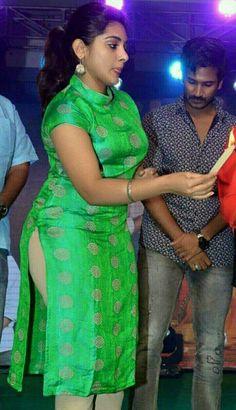Raja Suriya's media content and analytics Bollywood Actress Hot, Beautiful Bollywood Actress, Tamil Actress, Bhojpuri Actress, Beautiful Girl Indian, Most Beautiful Indian Actress, Beauty Full Girl, Beauty Women, Indian Actress Hot Pics