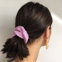 Soin des cheveux Sur commande via DM - New Ideas Short Hair Ponytail, Ponytail Hairstyles, Pretty Hairstyles, Scrunchies, Hair Inspo, Hair Inspiration, No Ordinary Girl, Corte Y Color, Good Hair Day