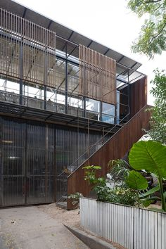 Workshop Architecture, Studios Architecture, Interior Architecture, Blacksmith Workshop, Facade Pattern, Wooden Panelling, Workshop Studio, Commercial Architecture, Building Design