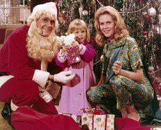 Always a Merry Christmas with Elizabeth Montgomery. Christmas Tv Shows, Christmas Episodes, Christmas Scenes, Christmas Past, Christmas Specials, Vintage Christmas, Christmas Stars, Christmas Photos, Christmas Ideas