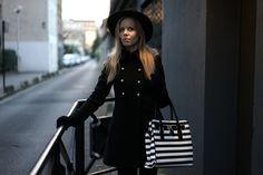 sac rayé noir et blanc -zonedachat.com Goth, Anna, Blog, Beautiful, Style, Fashion, Night, Black N White, Fashion Ideas
