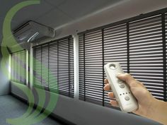 Com um simples toque você poderá realizar o recolhimento de sua persiana horizontal.