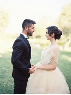 Spanish Glamour Wedding in Marbella, photo: Sandoval Studios Photography, dress: Chaviano Couture