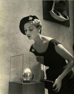 Jean Patchett - 1949 - Photo by Nina Leen - Life - @~ Mlle