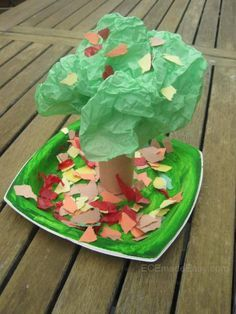 3D fall tree Loving this one and think it will be simple and fun for the preschoolers.