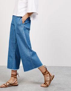 Cropped denim trousers with elastic waist - Trousers - Bershka Turkey