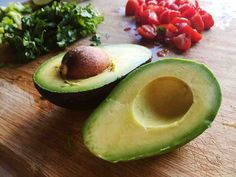 New Study Offers Yet Another Reason to Eat Avocados from Food Network Snacks To Make, Easy Snacks, Pizza Raclette, Healthy Fats, Healthy Recipes, Avocado Health Benefits, Tacos And Tequila, Filling Food, Nutrition