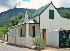 Go with Henry: Eastern Cape tour highlights Victoria Manor, Cape Colony, African House, Cute Cottage, Port Elizabeth, Cabins And Cottages, Rest Of The World, Africa Travel, Houses