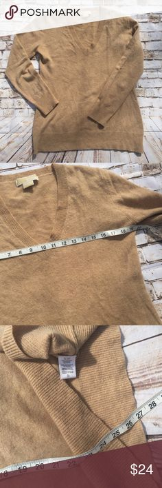 Michael Kors 100% cashmere large sweater Only one flaw as pictured either than its very soft and great condition. Michael Kors Sweaters V-Necks