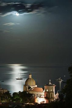 Positano, Amalfi Coast What an awesome picture of Positano.was on the coast at night on a tour bus. Places Around The World, The Places Youll Go, Places To See, Around The Worlds, Positano Italien, Voyage Europe, Amalfi Coast, Italy Travel, Wonders Of The World