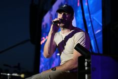 Pin for Later: Sam Hunt Heats Up the Stagecoach Music Festival With His Rugged Good Looks