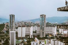 Caracas. Fotografía cortesía de @chrisjares #LaCuadraU #GaleriaLCU #Caracas #Venezuela